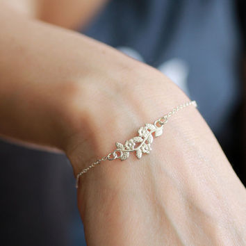 Silver flower pendant , Branch pendant necklace, leaves and flower, delicate necklace , thin necklace chain,dainty necklace
