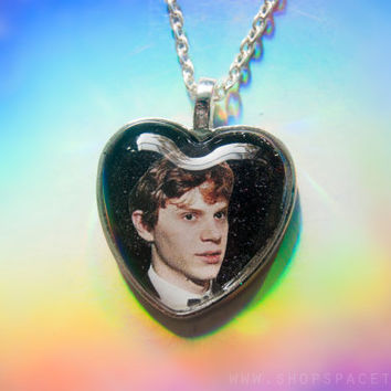 Evan Peters Necklace / American Horror Story Necklace