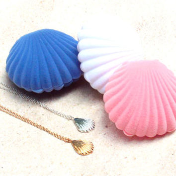 seashell pendant, beach pendant, seashell charm, sea shell pendant, surfer girl, tropical necklace, jewelry case, silver seashell pendant