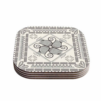 "Famenxt ""Paisley Into The Dream"" Beige Pattern Coasters (Set of 4)"