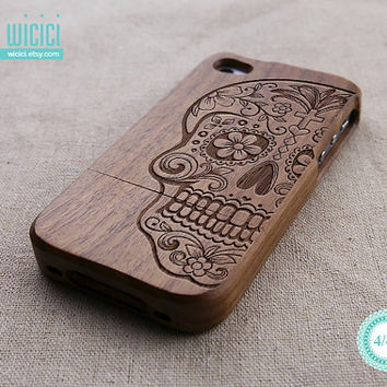 Skull iPhone 4 case - Wood iPhone 4S case - Cool iPhone 4 case - Natural Wood case - Wood iPhone case - Wooden iPhone cover - Walnut - 11005