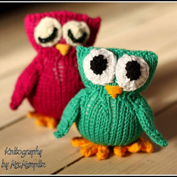 Toy Owl, handmade from ecologic cotton yarn, green or purple
