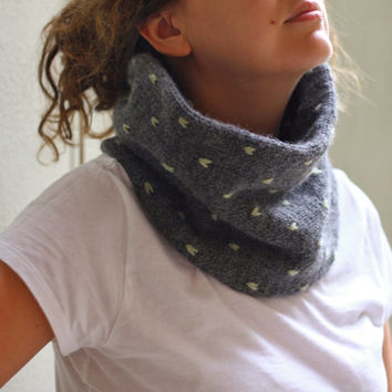 PDF Knitting Pattern Cowl, Neckwarmer, Womens neckwarmer, Hand Knit Unisex Cowl, Knit Infinity Scarf Pattern, Dotted