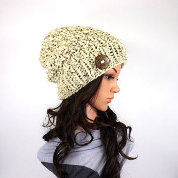 Chunky Slouchy Hat  with One Natural Coconut Shell Button /OATMEAL/, Knit Slouchy Beanie, Women Hat, Buttoned Hat, Ski Hat, Gift Idea