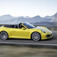 Inautonews - 2016 Porsche 911 Carrera 4, Carrera 4 Convertible and Targa 4 shown
