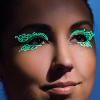 Glow In The Dark Double Swirl Eyelashes