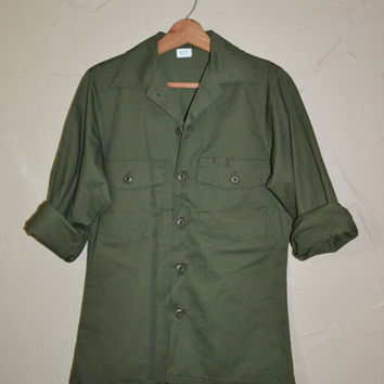 Vintage Green Military Shirt OG 507 Utility Shirt Army Green Shirt Dura Press Poly/Cotton Shirt Jacket Size Medium