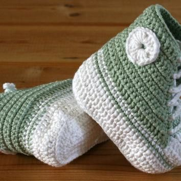 Organic cotton crochet handmade baby booties converse style Mint green & white Age 0