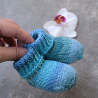 Thin newborn socks, baby socks in blue shades, stay-on socks, wool baby booties, handknit crib shoes