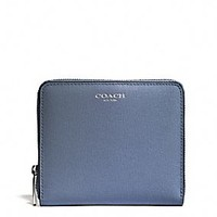 MEDIUM CONTINENTAL ZIP WALLET IN SAFFIANO LEATHER