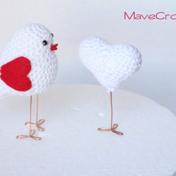 Valentine's Set of Crocheted Heart and Love Bird, Bird Amigurumi, heart amigurumi, Bird with Heart cake topper, romantic gift