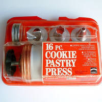 Vintage Mirro Cookie Press Cooky Pastry Press in Original Plastic Package Model M-0358-22 Made In USA