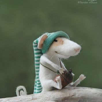 Needle mouse, felted mouse, felted miniature,needle animal,soft figurine,home decor,plush,art doll,stuffed animal,tender mouse