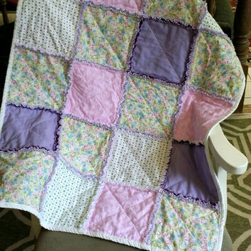 rag quilt  baby /  baby quilts handmade / homemade quilts for sale /  baby girl quilt/  baby beddings / crib quilts  / purple  pink quilts