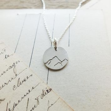 Round Mountains Necklace