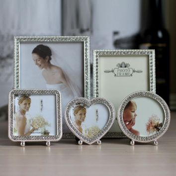 Luxury Shiny Metal Picture Frame with Silver Plated and Shiny Silver Stones MPF076