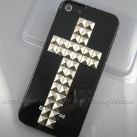 IPhone 5 case,Black Cross Studded iPhone 5 Hard Case,Silver Pyramid Studs iPhone Case