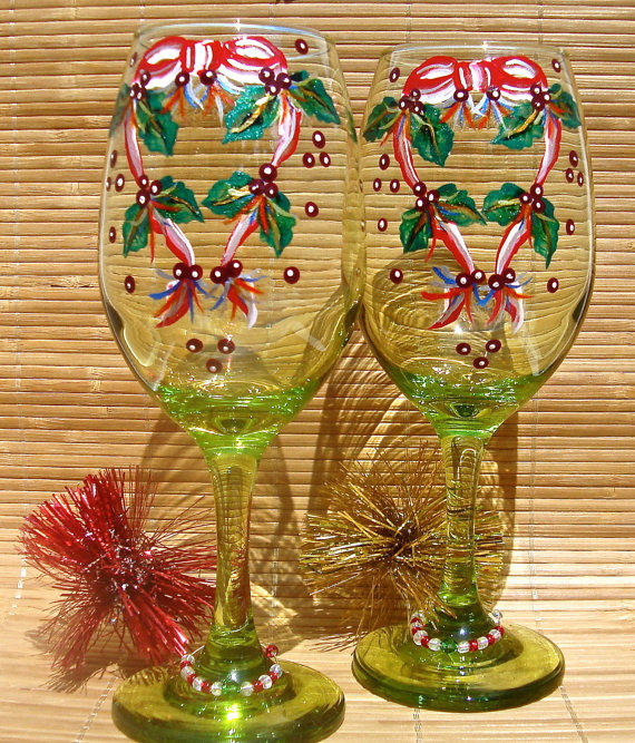 Painted christmas wine glasses with wine from paint it pretty for Christmas glass painting designs