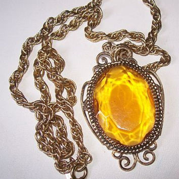 "Whiting & Davis Pendant Necklace Orange yellow Art Glass Stone Gold Metal Twisted Chain 20"" Vintage"
