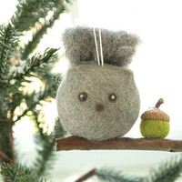 Squirrel Christmas Ornament, Needle Felted Wool, Woodland Animal, Cute Decoration, Winter, Autumn, Acorn, Cute, Grey, Moss Green, Squirell
