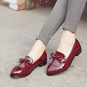 British Style Women's Shoes Tassel & Butterfly-Knot Spring Female Loafers Pointed Toe Leisure Women's Flats Patent Leather
