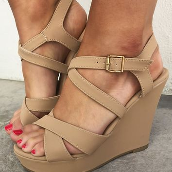 Weave My Way Wedges: Tan