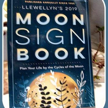2019 Moon Sign Book