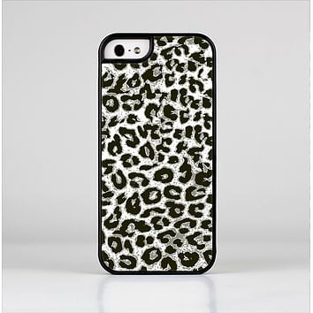 The Neutral Cheetah Print Vector V3 Skin-Sert Case for the Apple iPhone 5/5s