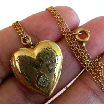 Vtg Art Deco PCo GF Diamond Chip Etched Heart Locket Pendant Gold Chain