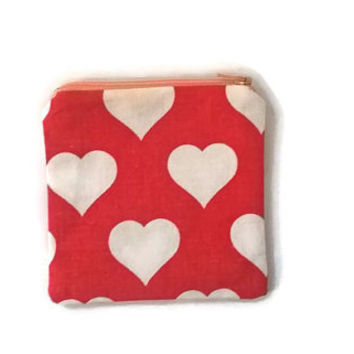 Hearts Makeup Bag - Vintage Fabric Zip Pouch - Zipper Wallet - 70s Fabric - Toiletry Pouch - White and Red - Hearts Pattern - Change Purse