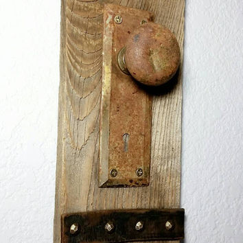 Reclaimed Fence Board Vintage Door Knob Coat Hanger/Key Holder