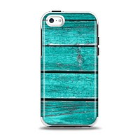 The Trendy Green Washed Wood Planks Apple iPhone 5c Otterbox Symmetry Case Skin Set