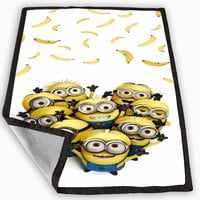 minion catch banana despicable me movie Blanket for Kids Blanket, Fleece Blanket Cute and Awesome Blanket for your bedding, Blanket fleece **