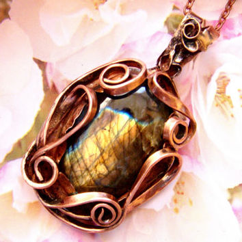 Copper pendant, Wire wrapped pendant, Gift for her, Gifts for mom, Girlfriend Gift, Gold Labradorite pendant, Bohostyle, Boho, FREE SHIPPING