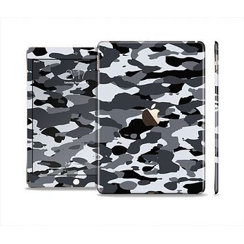 The Traditional Black & White Camo Skin Set for the Apple iPad Air 2