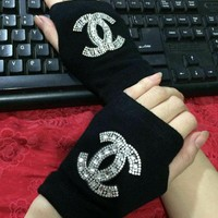 Chanel Fashion Rhinestone Gloves
