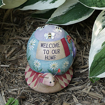 Hand Painted Resin Snail Figurine Lawn Ornament, Welcome Garden Decoration