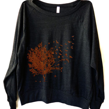 Light Weight Raglan Pullover Tri-Blend fabric with Birds graphic print