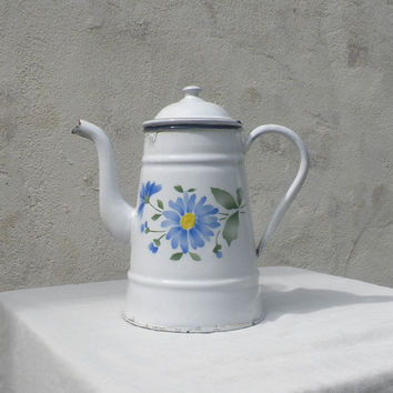 French vintage white enamel coffeepot / vintage enamelware / floral enamel coffeepot / shabby chic / cottage chic / country home / coffeepot