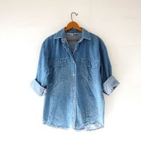 vintage jean shirt. denim pocket shirt. boyfriend jean shirt. slouchy fit.