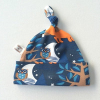 ON SALE Blue organic cotton baby hat, baby knotted hat, baby knot hat, knotted hat, foxes owls, organic cotton baby hat, newborn hat. Gender
