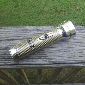 1950s Vintage Eveready Captain Flashlight by Union Carbide, WORKS, Made in USA, Vintage Flashlight Torch, Vintage Technology, Vintage Tools