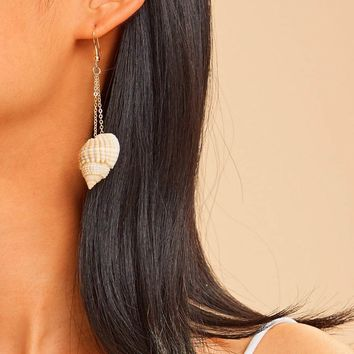 Seashell Design Mismatched Drop Earrings 1pair