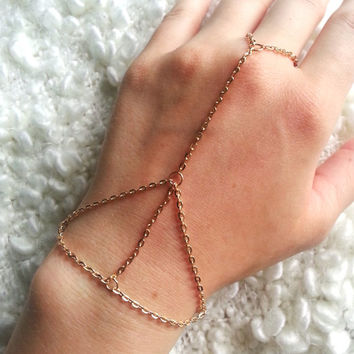 hand chain, gold chain, hand jewelry, unique jewelry, bracelet with ring, hand jewelry, bohemian style, sexy jewelry, sexy chain, body chain