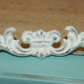 White Cabinet Hardware / Cabinet Knob / Home Decor / Shabby Chic / Vintage / Cottage Chic / Metal Hardware / Vintage Hardware