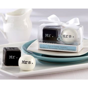 Round Cube Ceramic Mr. and Mrs. Salt Pepper Shakers Canister Set Wedding Party Favors Free Shipping