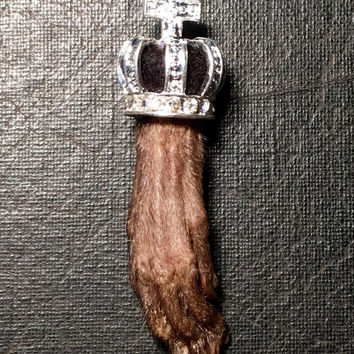 Royal Rat Rhinestone Black Crown Taxidermy Rat Paw Preserved Foot Specimen Necklace