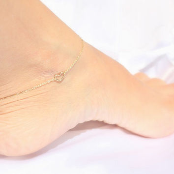 Ankle bracelet - Heart anklet, dainty gold anklet,14k gold filled tiny heart on gold filled chain, sisters anklet , gift for her