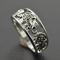hollow out elephant ring + gift box
