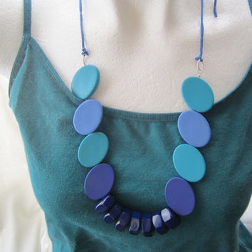 Darkblue, Light Blue and Teal Vintage Necklace